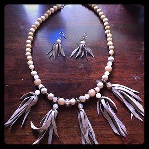 2/15$ Boho wood and fringe necklace set